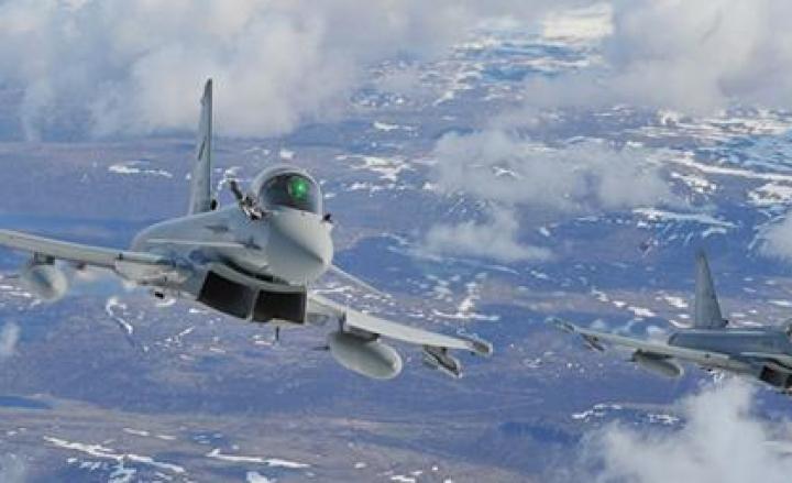 AM: caccia Eurofighter in volo per intercettare Boeing AirFrance
