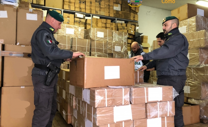 Prodotti di cosmesi contraffatti sequestrati dalla GdF
