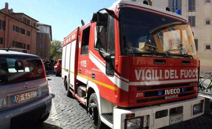 Fuga di gas in una scuola elementare di Melegnano: evacuati 270 bambini