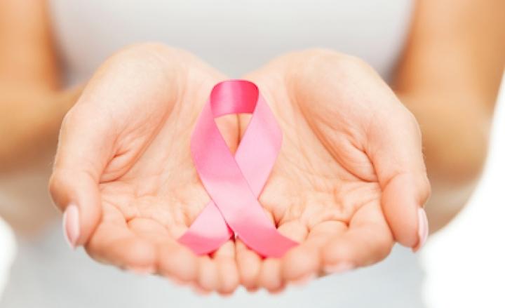 25 anni di Nastro rosa, simbolo della guerra al cancro al seno